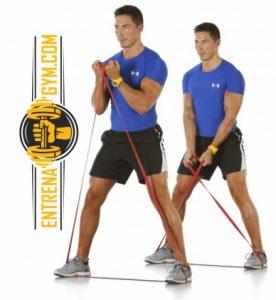biceps cruzados con bandas elasticas
